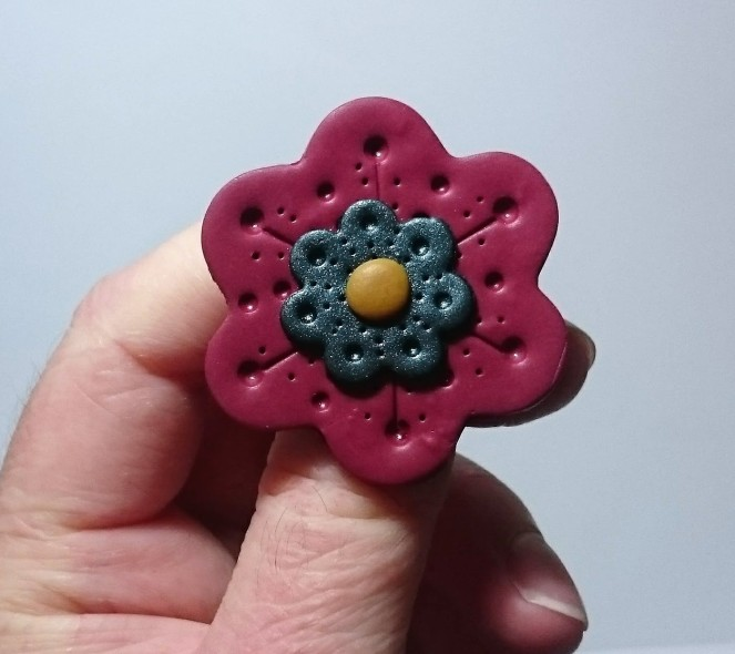 red-flower-brooch-9