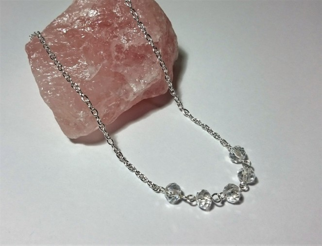 Simple crystal necklace 3