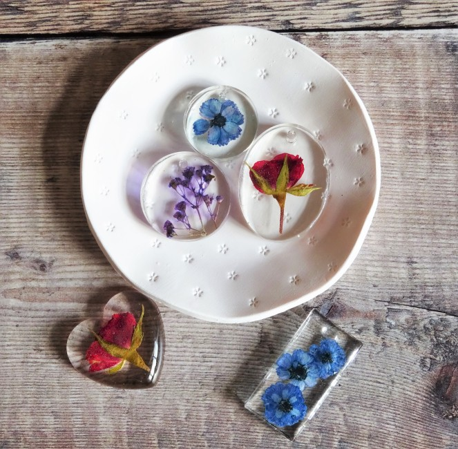 Flowers in resin