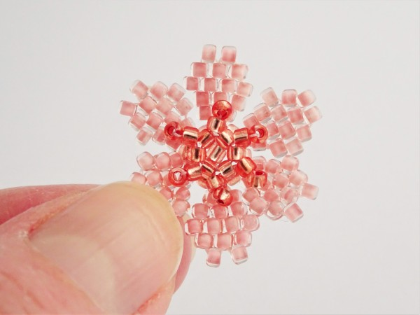 Brick stitch flower beadweaving tutorial