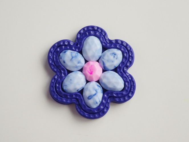Handmade faceted stones using a silicone mould translucent polymer clay tutorial/ How to make a flower brooch