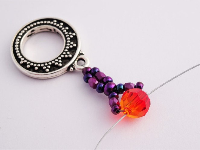 Beadweaving bracelet tutorial / Charm Bracelet with Swarovski Be-Charmed Cat and 6mm Crystals