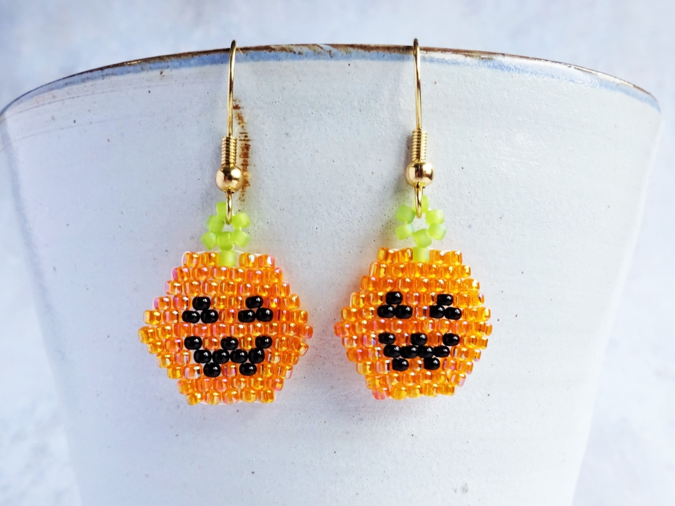 Halloween pumpkin brickstitch earring tutorial