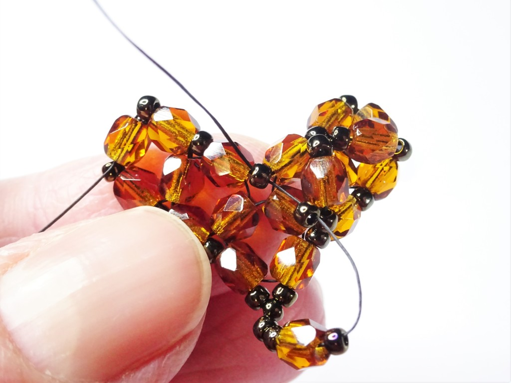 How to make a right angle weave heart