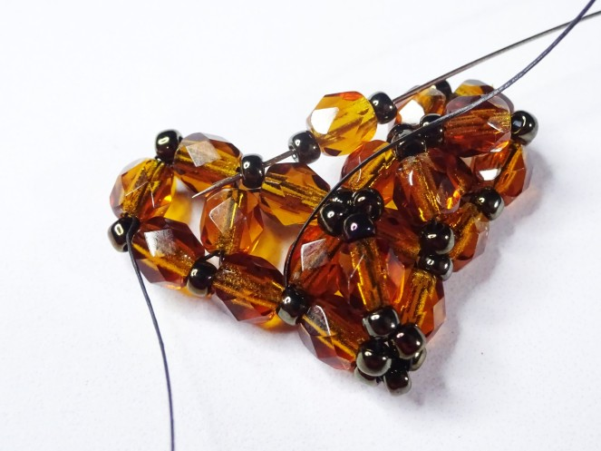 Right angle weave (RAW) heart tutorial