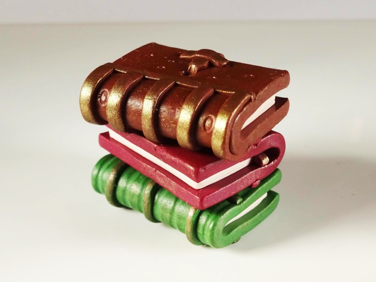 How-to-make-polymer-clay-vintage-books